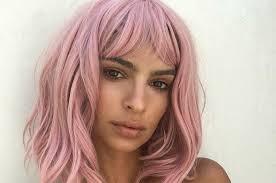 Emily Ratajkowski perruques rose